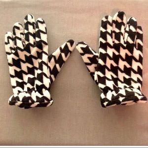 Stylish & Warm Thinsulate Gloves by Merona